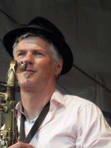 BAND JACOB bekommt Zuwachs mit Horny Ross Jacobson am Sax